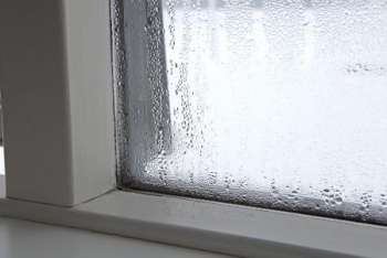 Почему запотевают металлопластиковые окна